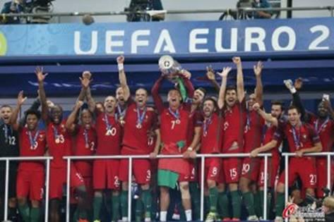 葡萄牙和c罗的首个欧洲杯冠军也许注定