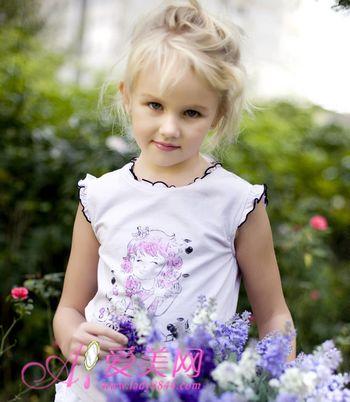 国外小美女的天使发型