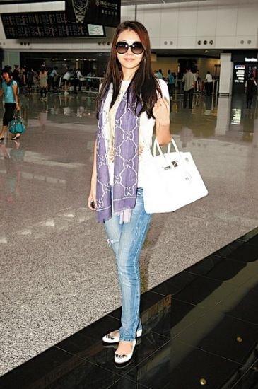 汤唯姚晨王菲 女星机场比洋气变时尚达人