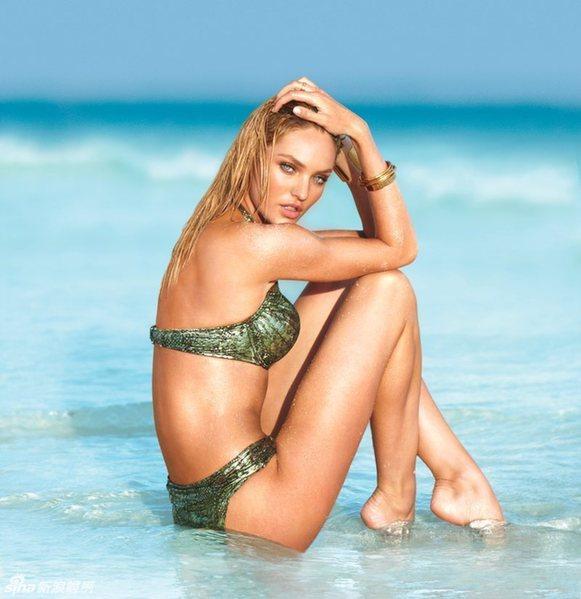 时尚泳装海滩生活照