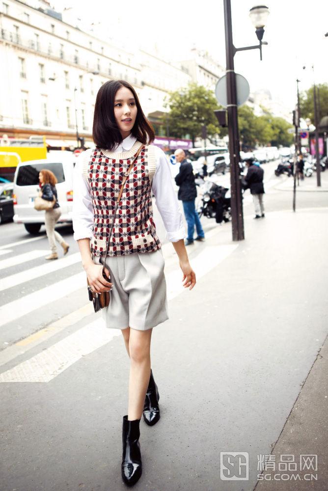 刘诗诗针织轻装演绎巴黎街头时尚大片