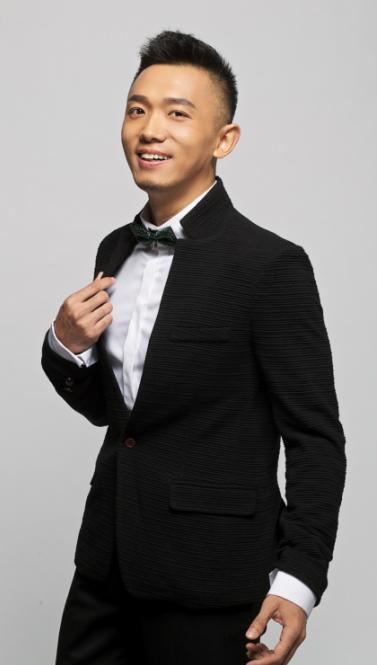 米兰达可儿美胸翘臀_阳光型男主持人辛凯演绎绅士型男[3]- 中国日报网